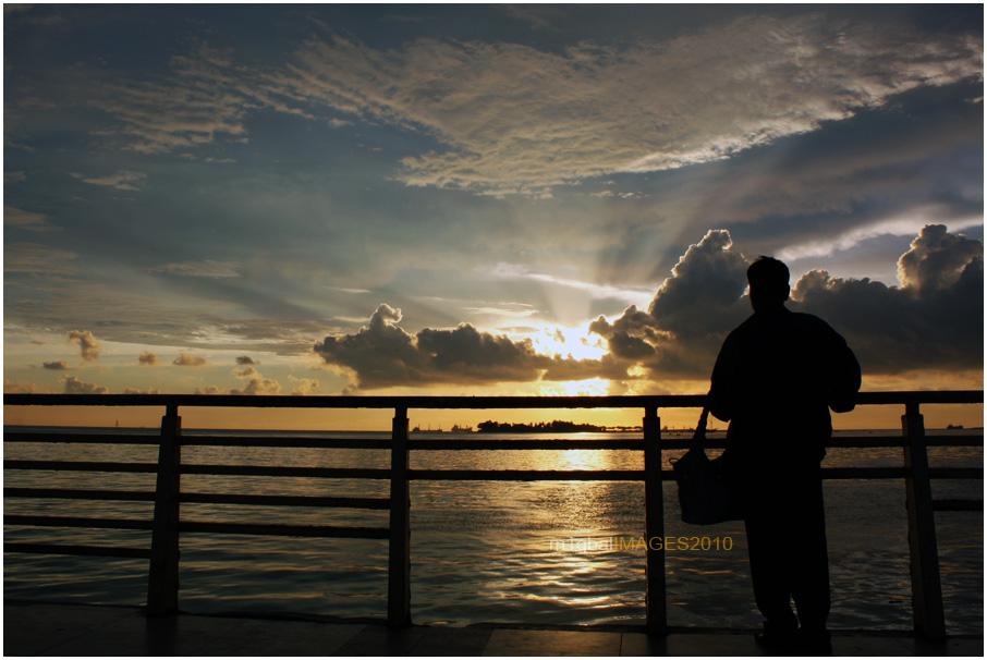 Pagi Petang di Pantai Losari Makassar (3/5)