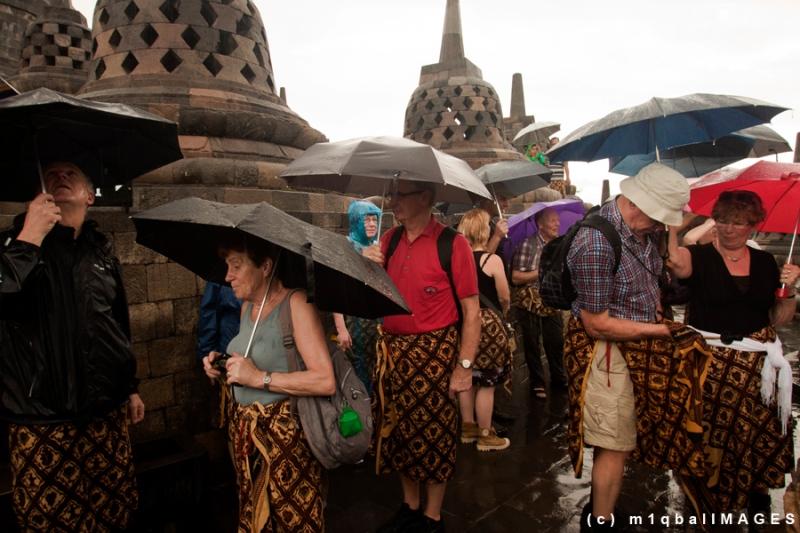 Borobudur - Sejumlah wisatawan mancanegara di Candi Borobudur - Magelang. Candi Borobudur telah menjadi heritage Indonesia untuk Dunia. #IndonesiaHebat