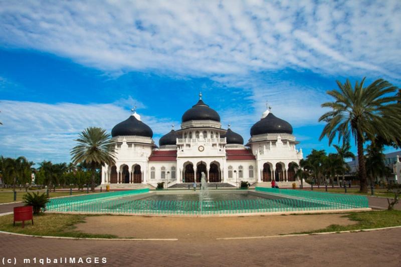 Baiturrahman - Mesjid di Serambi Mekkah, keindahannya mendunia, terleta di Kota Banda Aceh. #IndonesiaHebat