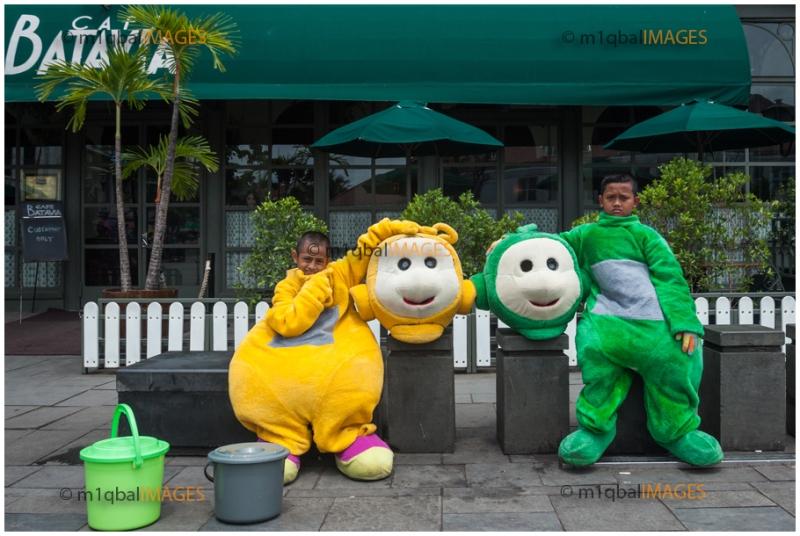 Foto 1 ; Dua Sahabat , Kota Tua - Jakarta